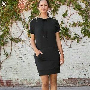 Athleta Coaster short sleeve dress size xs